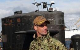 """Chỉ huy tàu ngầm Mỹ mất chức vì """"vui vẻ"""" với 10 gái gọi"""