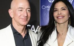 Hé lộ bức ảnh hẹn hò bí mật của tỷ phú Jeff Bezos với người tình nóng bỏng từ năm ngoái