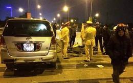 Xe Innova lấn làn tông liên hoàn 2 xe máy trên cầu vượt Phú Sơn, 4 người nguy kịch
