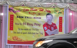 Gia đình tiền vệ Hùng Dũng dựng rạp, nấu cỗ để cổ vũ đội tuyển Việt Nam trước trận tứ kết