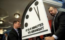 """""""Đồng hồ ngày tận thế"""" là gì? Sao chúng ta phải quan tâm đến nó?"""