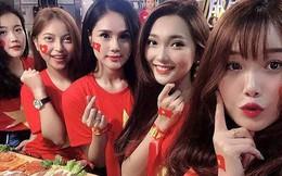 Ngồi bên nhau trong cùng một khung hình, nhan sắc nổi bật của dàn bạn gái đội tuyển Việt Nam gây sốt