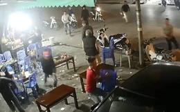 Dùng hung khí truy sát người tại quán ăn đêm