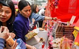 Những gì cần có trong làn đi chợ Tết của các bà nội trợ
