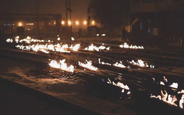 Mỹ: Lạnh tới mức phải nổi lửa đốt đường ray