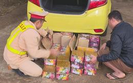 CSGT Đắk Lắk liên tiếp bắt xe vận chuyển pháo lậu