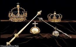 Tìm thấy báu vật hoàng gia bị đánh cắp trong...thùng rác