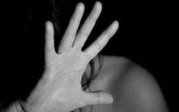 Cô gái bị tố... cưỡng hiếp phụ nữ 25 tuổi