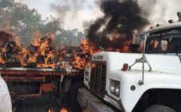 Ít nhất 2 xe hàng viện trợ bị đốt cháy ở biên giới Venezuela - Colombia