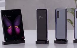 """Cận cảnh 4 phút smartphone bị """"cấm cung"""" của Samsung, chưa ai được phép đến gần hay chạm vào"""