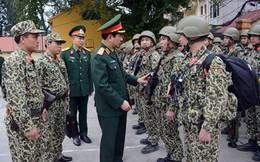 Thượng tướng Phan Văn Giang kiểm tra các đơn vị quân đội tham gia bảo vệ Hội nghị thượng đỉnh Hoa Kỳ - Triều Tiên