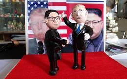 Thầy giáo tạo hình lãnh đạo Donald Trump và Kim Jong-un bằng vỏ trứng