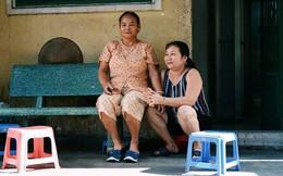 """8/3 ở """"xóm bà bầu"""" Sài Gòn: Những người phụ nữ gian nan đi tìm thiên chức làm mẹ và tình người trong con hẻm hy vọng"""