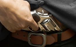 Đã tàng trữ súng trái phép lại còn không biết dùng, thanh niên Mỹ vô tình tự bắn rơi 'của quý'