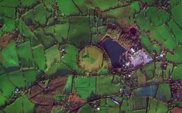 Gò đất kỳ lạ được phát hiện tại Belfast (Anh) và sự thật đáng sợ đằng sau đó