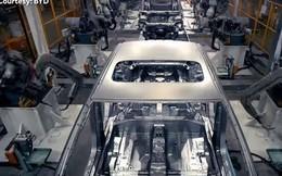 Bên trong nhà máy ôtô điện lớn nhất Trung Quốc, 90 giây lắp xong một xe