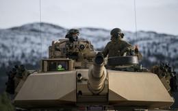 NATO dồn quân bao vây, chĩa tên lửa vào Nga