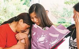 """""""Giấc mơ có thật"""" đoàn tụ gia đình ly tán sau nhiều năm ly biệt vì chính sách một con của Trung Quốc"""