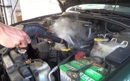 Cách rửa khoang máy ô tô đúng cách nhất?