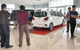 Giờ là thời điểm vàng mua ô tô của người Việt: Giá xe chạm đáy, khuyến mãi liên tiếp, tặng cả 'lạc'