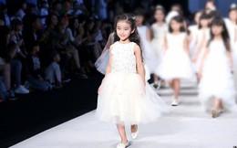 Bố mẹ Trung Quốc cho con làm mẫu nhí: Kiếm 35 triệu/ngày nhưng đổi lại là lịch làm việc như ngôi sao, cạnh tranh khốc liệt