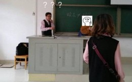 Hớn hở diện quần áo đẹp đến lớp, cô bạn độn thổ khi phát hiện ra mình mặc đồ đôi với thầy chủ nhiệm