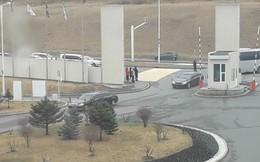 Xuất hiện limousine đen tại nơi dự kiến hai nhà lãnh đạo Nga-Triều gặp mặt