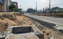 Cận cảnh 1 km đường, thi công hơn 4 năm vẫn chưa xong