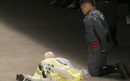 Người mẫu đột ngột qua đời sau khi vấp ngã trên sàn catwalk