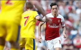 Vì sao Ozil vắng mặt khi Arsenal thảm bại trước Leicester City?