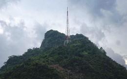 Lên núi Cấm Sơn, nam thanh niên rơi từ đỉnh cao nhất tử vong