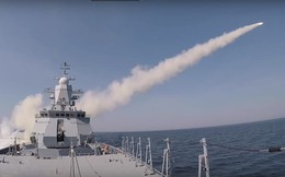 """Chưa đầy 3 phút, tên lửa trên chiến hạm Nga """"hạ gục"""" tàu chở hàng ở biển Baltic"""