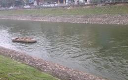 Nước sông Tô Lịch bất ngờ trong, xanh trở lại