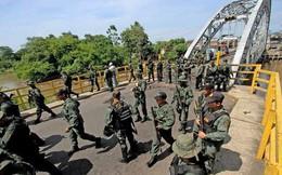 [ẢNH] Đấu súng dữ dội dọc biên giới Venezuela - Colombia
