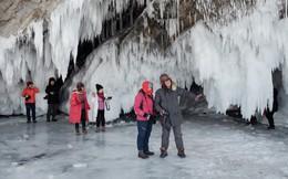 """Dân Nga giận dữ khi du khách Trung Quốc """"quậy nát"""" hồ Baikal"""