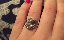 Kể chuyện được bạn trai tặng 2 nhẫn kim cương nhưng không biết đeo chiếc nào cho lễ đính hôn, cô gái bị dân mạng xỉa xói không thương tiếc