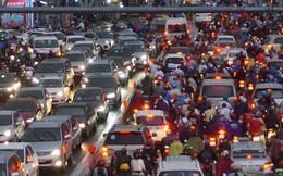 TP HCM sau trận mưa đầu mùa: Đường ngập, xe cộ kẹt cứng