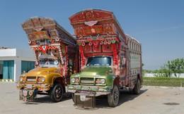 """""""Bí ẩn"""" ít người biết về những chiếc xe tải ở đất nước Pakistan"""