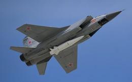 Tổng thống Putin mục sở thị tiêm kích MiG-31 trang bị tên lửa siêu thanh Kinzhal