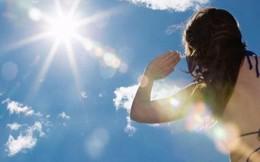Cứu người bị say nắng khỏi đột quỵ thế nào?