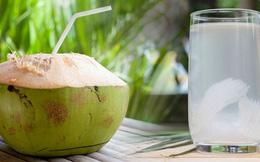 Công dụng tuyệt vời của nước dừa đối với sức khỏe trong những ngày nắng nóng