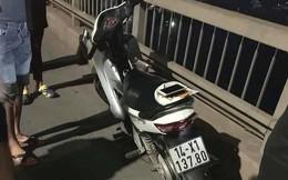 Để lại xe máy trên cầu Bãi Cháy, nam thanh niên nhảy xuống biển tự tử