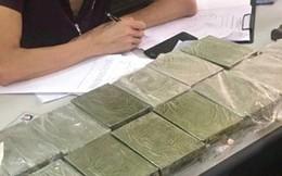 """Tóm gọn """"nữ quái"""" vận chuyển 30 bánh heroin từ Thái Bình về Hải Phòng"""