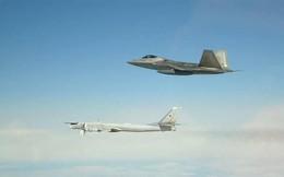 Chiến đấu cơ Mỹ chặn máy bay Nga ngoài khơi Alaska