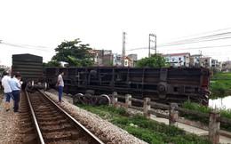 Lộ nguyên nhân vụ tàu trật bánh, lật toa tại Nam Định