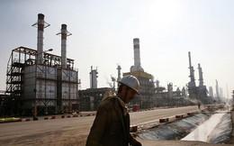 Lý do Trung Quốc buộc phải ngừng mua dầu Iran là gì?