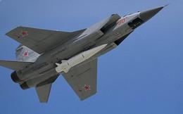 Xem tiêm kích MiG-31 của Nga hộ tống máy bay mang tên lửa Tu-95MS