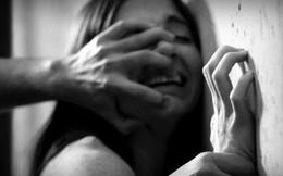 Bố mẹ đi vắng, bé gái 14 tuổi bị hãm hiếp rồi thiêu sống, 6 nghi phạm vẫn nhởn nhơ nhưng phản ứng của cảnh sát càng gây phẫn nộ