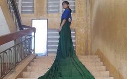 Quấn rèm cửa lớp học thành váy đi khắp trường, nữ sinh nhận bão like nhờ thần thái sang chảnh không kém bất kì nàng công chúa Disney nào