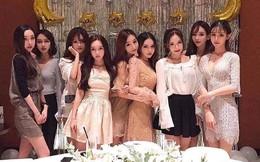 9 cô bạn thân khoe ảnh chụp cùng xinh như mộng, dân mạng chỉ thắc mắc có phải thẩm mỹ cùng một lò